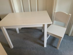 Kids desk and chair for Sale in Cerritos, CA