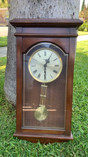 Antique looking clock for Sale in Santa Ana, CA