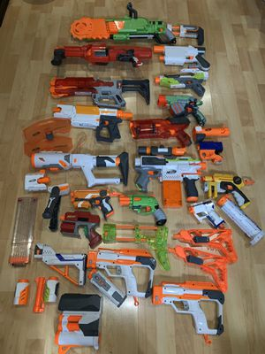 Huge lot of Nerf guns and modulus parts for Sale in Irwindale, CA