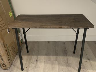 Wooden Desk for Sale in Los Angeles,  CA