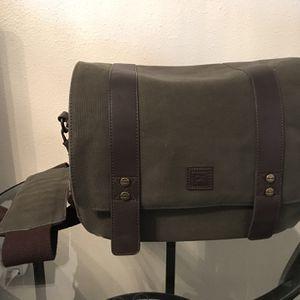 Platinum Vintage DSLR Messenger Camera Bag for Sale in Vancouver, WA