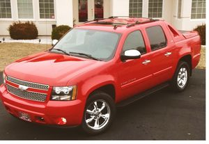 Looking Amazing 2008 Chevrolet Avalanche 5.3L Needs Nothing 4WDWheelss for Sale in Evansville, IN