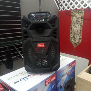 Brand New 8 In Speaker Has Bluetooth Fm Am Great Sound Base Very Loud And Only For 50 Bucks Brand New Speaker In The Box for Sale in Phoenix, AZ