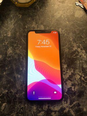 iPhone X (sprint) for Sale in Lexington, KY