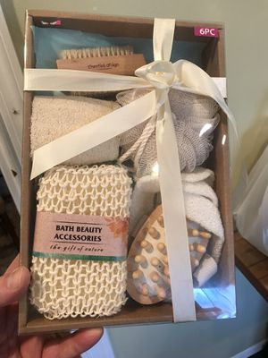 6 Piece Bath Beauty Accessories for Sale in Garden City, NY
