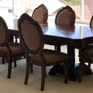 Solid Wood Dining Table w/8 Chairs for Sale in Whittier, CA