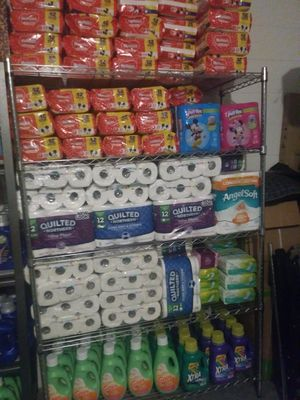 Diapers and avenno product for Sale in Haines City, FL
