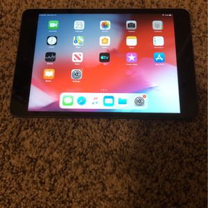 Apple iPad Mini 2 with Bluetooth Keyboard Case for Sale in Fort McDowell, AZ