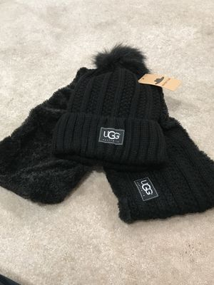 Ugg winter hat and scarf set for Sale in Lanham, MD