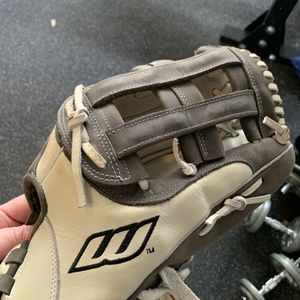 "Worth Liberty Advanced 14"" Softball Glove for Sale in San Diego, CA"