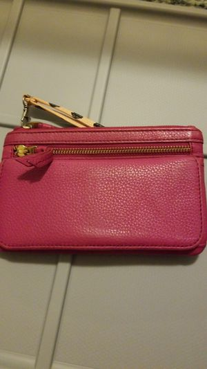 Fossil leather wallet pink for Sale in Cleveland, OH