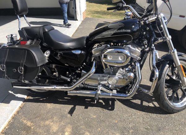 2017 Harley Davidson Sportster 883 - 1221 Miles!! Like new!!