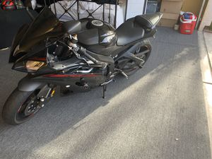 2015 Yamaha YZF-R6 black with red trim - LED light pack for Sale in Las Vegas, NV