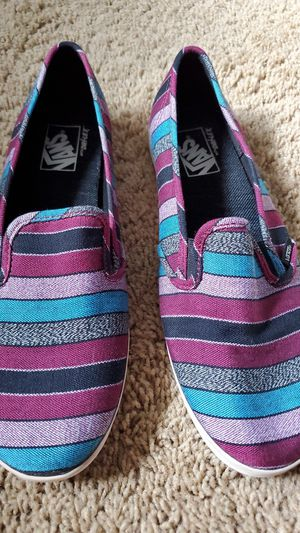 Striped purple and blue low top women's VANS size 10.5 for Sale in Canyon Lake, CA