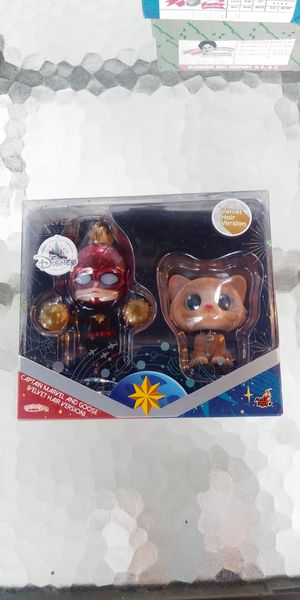 Disney hot toys captain marvel and goose figure for Sale in San Dimas, CA