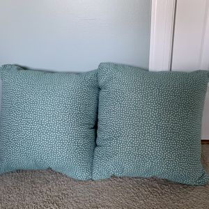 Beautiful Teal Nice Pillows For Sale! for Sale in Raleigh, NC