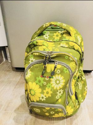 Jansport green flower backpack great condition for Sale in Miami, FL
