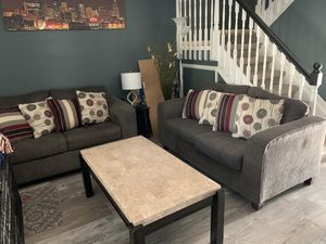 Three piece love seat couch set for Sale in Aurora, CO
