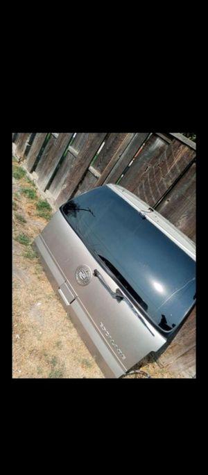02-06 Cadillac Escalade rear window for Sale in Visalia, CA