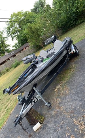 Bass boat Ranger with mercury 150 for Sale in Grove City, OH