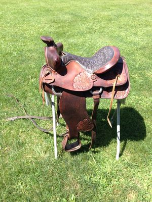 15 1/2 saddle for Sale in Delaware, OH