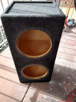 Subwoofer box And 1 10 inch punch for Sale in Miami, FL