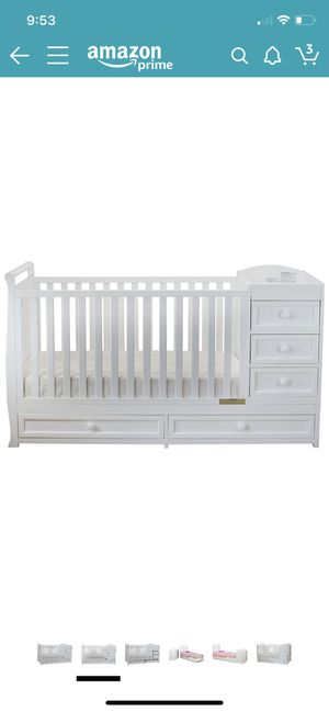 Daphne crib and changing table for Sale in Perris, CA