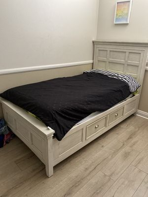 Twin bed frame and mattress for Sale in Riverside, CA
