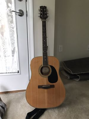 *Used Mitchell MD-100 Acoustic Guitar* for Sale in Dumfries, VA