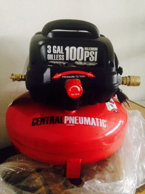 Oilless Pancake Air Compressor 3Gallon/ 100 Psi by Central Pneumatic (brand new)obo for Sale in Houston, TX