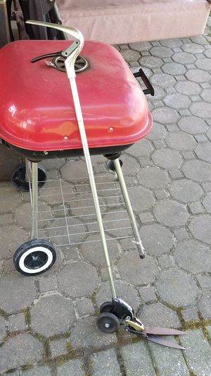 Bbq Charcoal grill for Sale for sale  Queens, NY