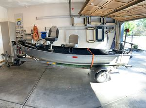 Shoreline fishing boat for Sale in Indianapolis, IN