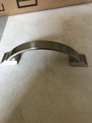Kitchen Cabinet Knobs/ Pullers for Sale in Mansfield, OH