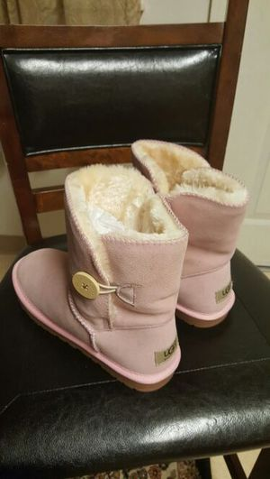 Australian uggs boots size 11 for Sale in Severn, MD