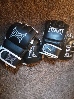 UFC gloves tapout and everlast for Sale in Cincinnati, OH