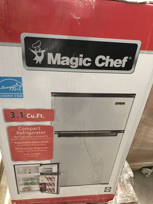 Magic Chef 3.1 cu. ft. Mini Fridge in Stainless Look for Sale in Plant City, FL
