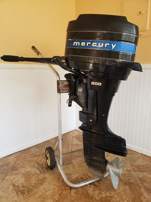 20 Hp MERCURY OUTBOARD ENGINE with hand control...Fresh water used all origional for Sale in Eustis, FL