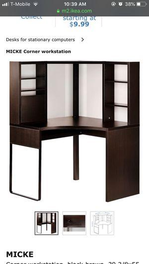 Corner desk for Sale in Miami, FL