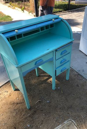 Antique desk. for Sale in Bell Gardens, CA