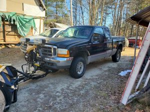2002 ford f 250 4x4 w/plow for Sale in Raymond, ME