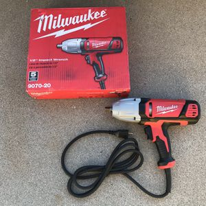 Milwaukee 1/2 in. Impact Wrench with Rocker Switch and Detent Pin Socket Retention for Sale in Phoenix, AZ
