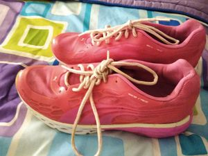 Pretty in Pink size 8 ladies pink shoes puma. Very stunning for Sale in Palmetto, FL