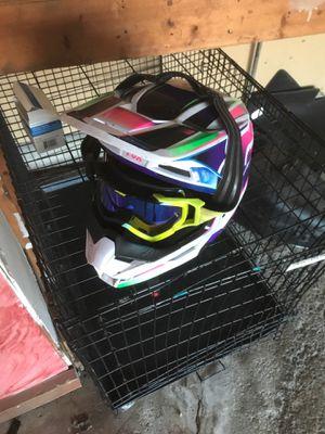 Dirt bike helmet for Sale in Lorain, OH