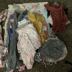Baby clothes 0 to 3 months.. In excellent condition.. $30 for Sale in City of Industry, CA