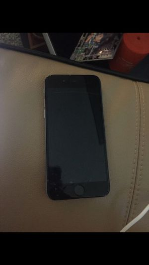 Cracked iPhone 6 64GB please read for Sale in Tacoma, WA