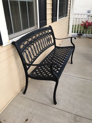 2 piece outdoor furniture for Sale in Trenton, NJ