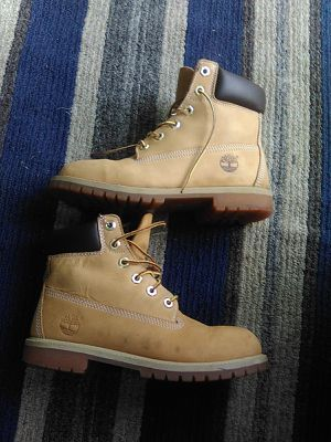 Timberland boots Men's size 5 for Sale in McKee City, NJ