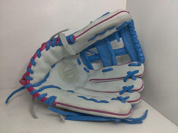 Softball baseball gloves