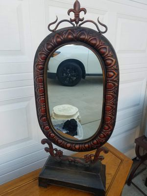 Standing vanity mirror for Sale in Wildomar, CA