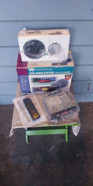 Car audio stereo system for Sale in Fresno, CA